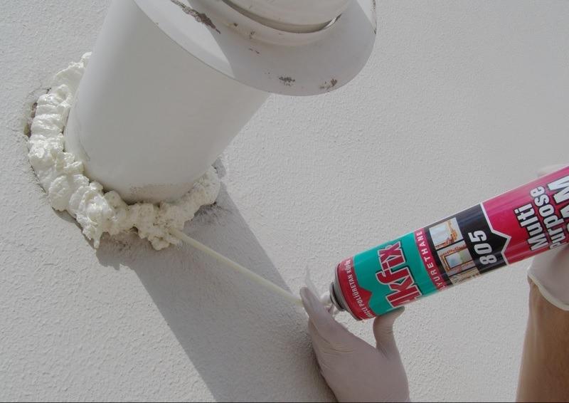 fixação para duto externo com espuma para evitar dilatação na parede
