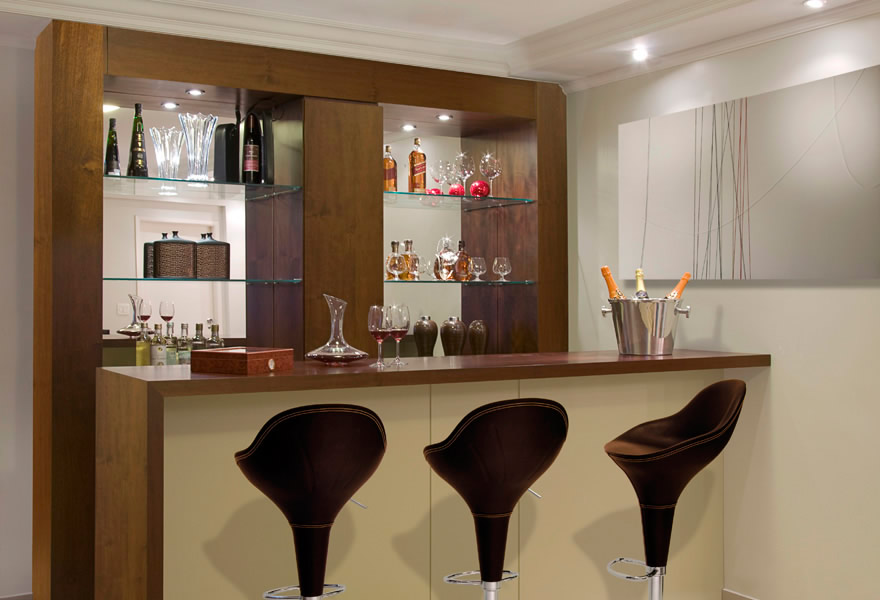 prateleira de vidro bar