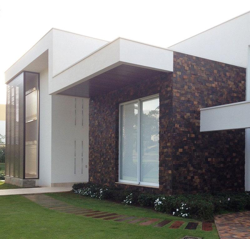 Bloco do projeto arquitetônico revestido com mosaico de pedra pericó