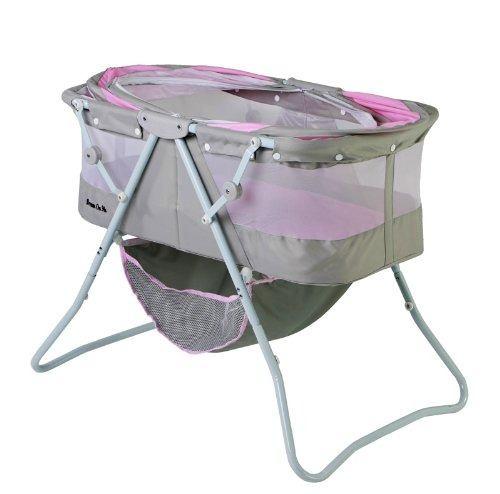 Alguns modelos podem mesmo ser desmontados e usados como cesto para a criança