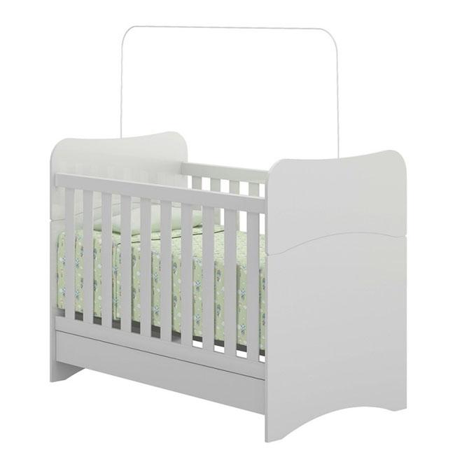Modelo de berço simples para quarto de bebê
