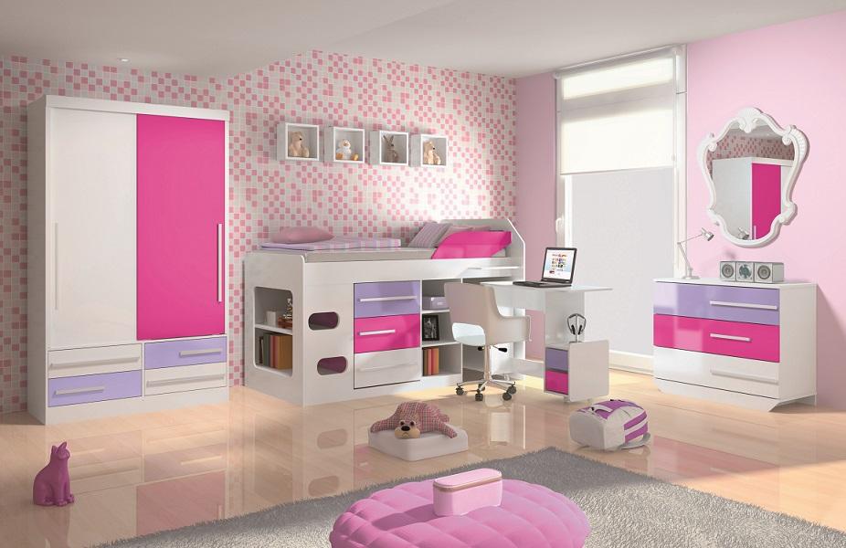 Quarto feminino cor de rosa com nicho para objetos na parede