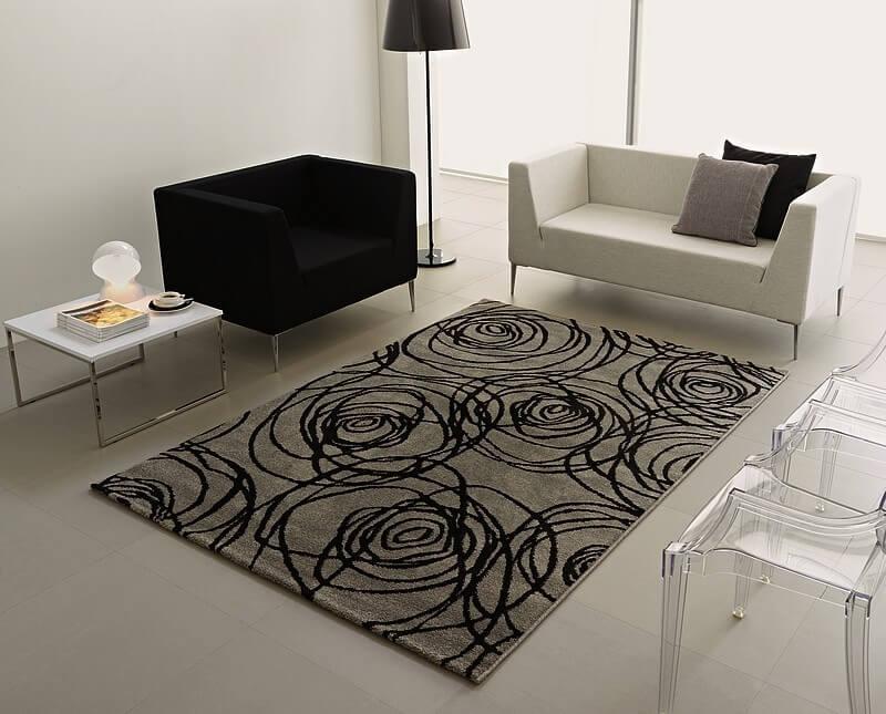 Modelo de tapete antialérgico que combina com a decoração moderna da sala