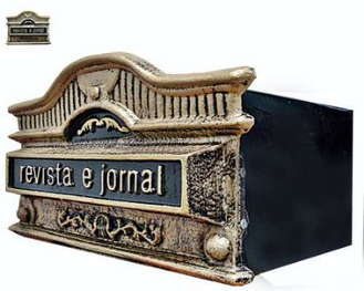 Caixa de correio de metal grande tradicional