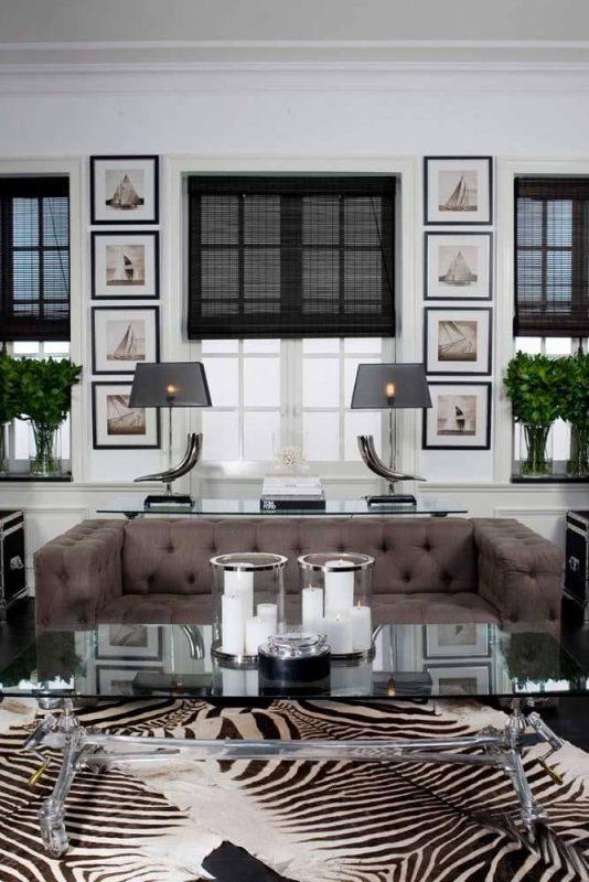 Cortina Preta em sala de estar decorada de luxo