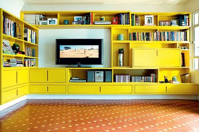 Como essa tinta se adapta bem a madeira, é muito comum ser usada para pintura de estantes