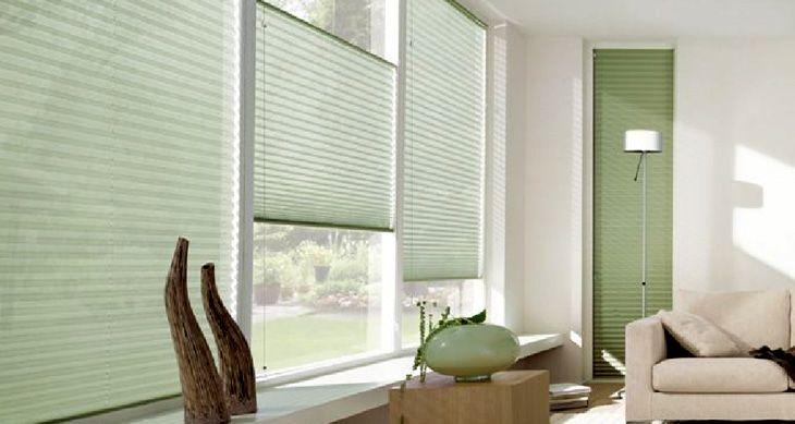 Quando usada em múltiplos módulos, a persiana plissada permite o ajuste necessário manualmente para regular o fluxo luminoso do ambiente