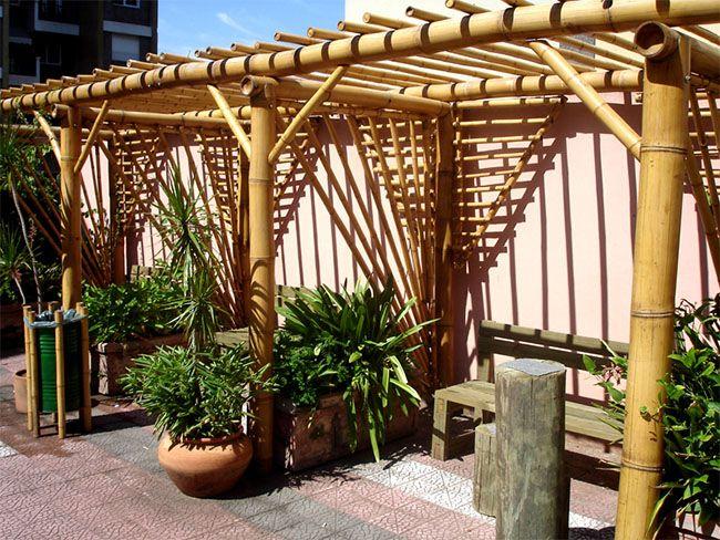 Pergolado de Bambu em cobertura de prédio