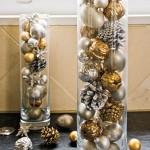 Arranjo natalino em vaso de vidro decorativo