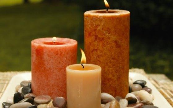 Velas aromáticas são uma alternativa muito legal para aromatizar os ambientes da casa