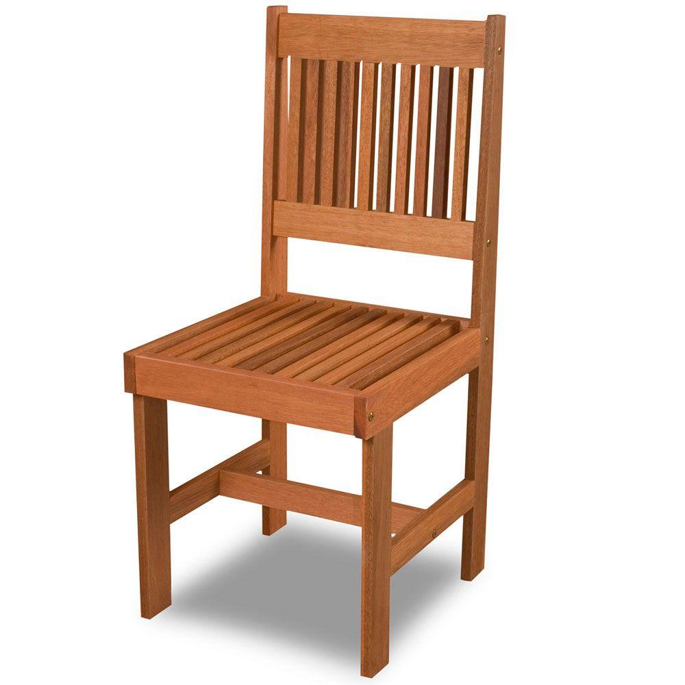 Cadeira de madeira simples para interior residencial