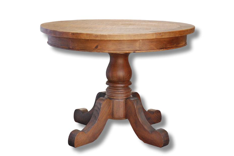 Já essa mesa redonda de madeira rustica pode ser usada para decorar a sala de estar