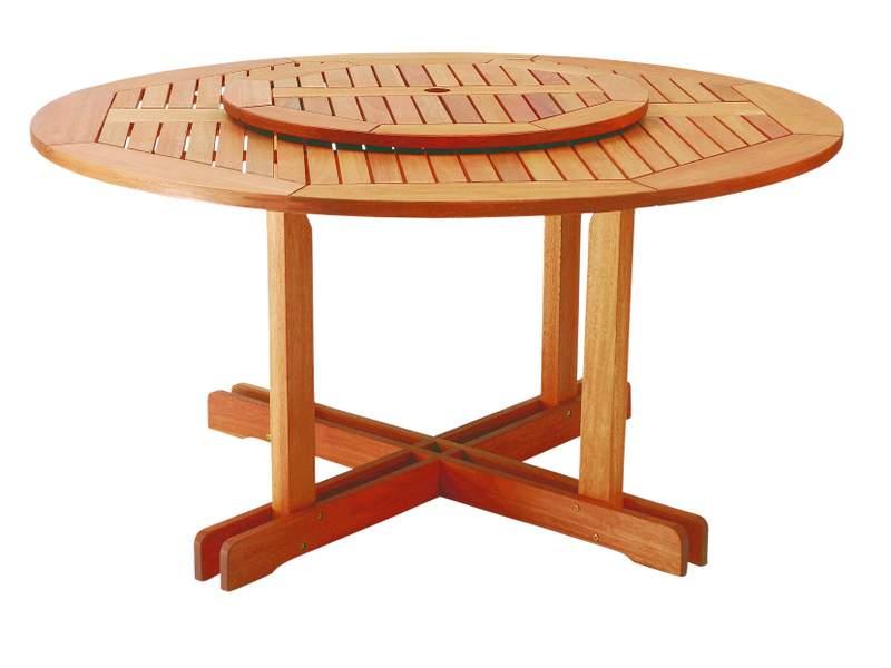 Outra opção que está em evidência em móveis de madeira são as mesas giratórias de jantar