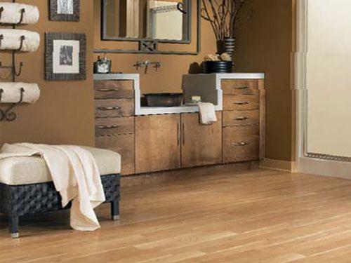 Piso para o quarto em laminado de madeira