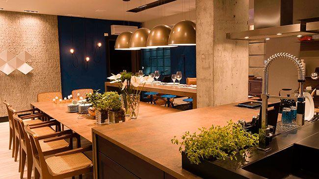 Cozinha sala de jantar e de estar integradas em um só ambiente