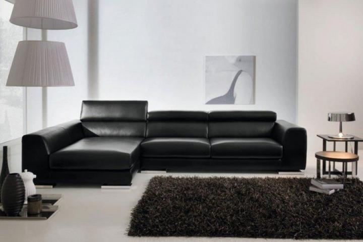 Sofá estilo modernista de couro preto