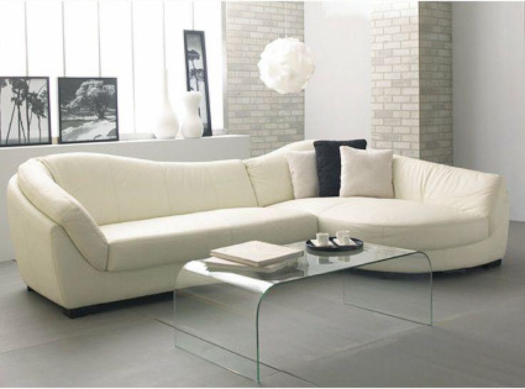 Modelo de sofá moderno com, em formato bem orgânico.