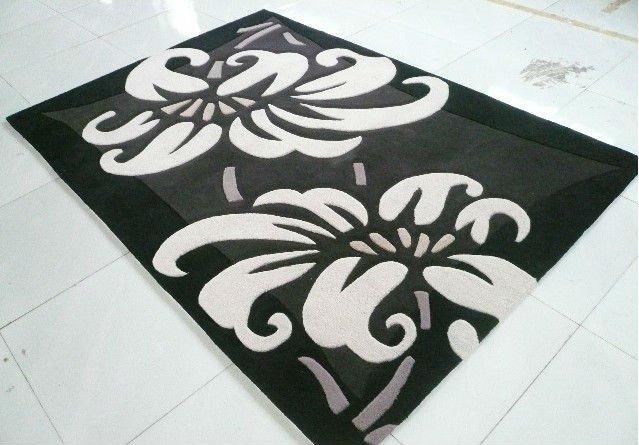 Tapete acrílico com padrão floral para o piso