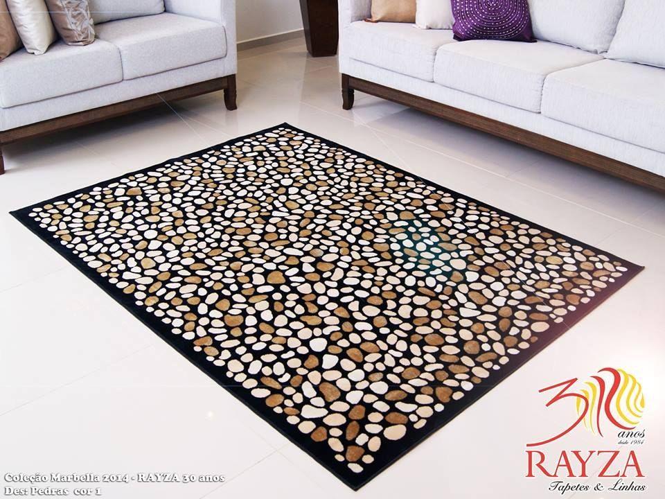 Tapete de veludo que imita o padrão de pedras no piso
