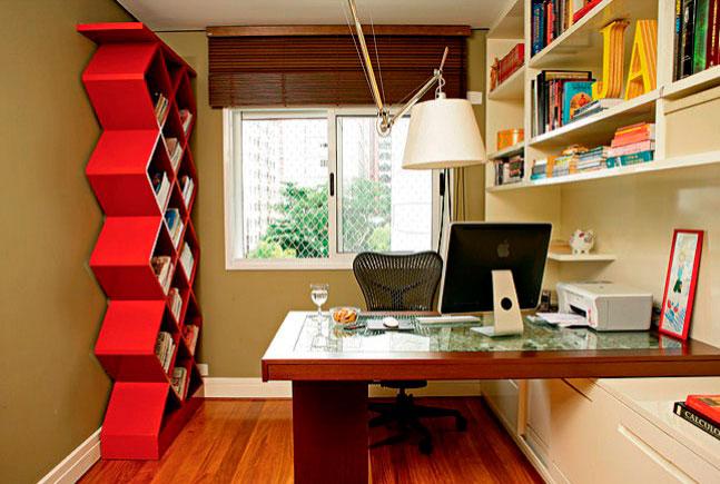 Mobiliário desse espaço de estudo é muito pessoal e marcante