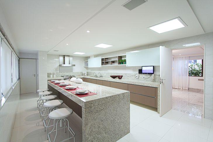bancada de cozinha integrada em granito aqualux
