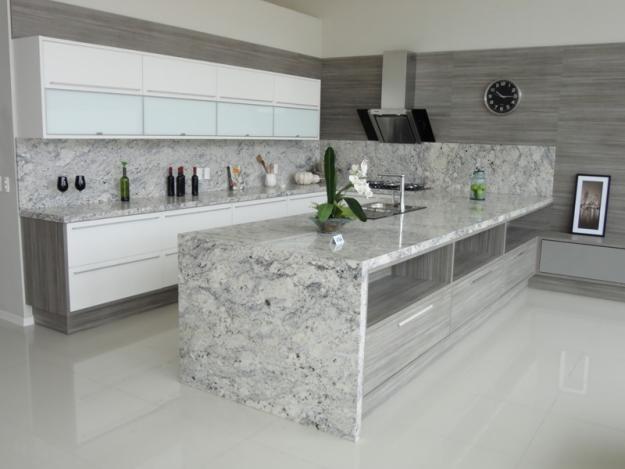 grande bancada de cozinha de granito do tipo aqualux, revestimento super sofisticado