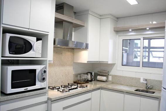 Bancada de cozinha em granito do tipo aqualux