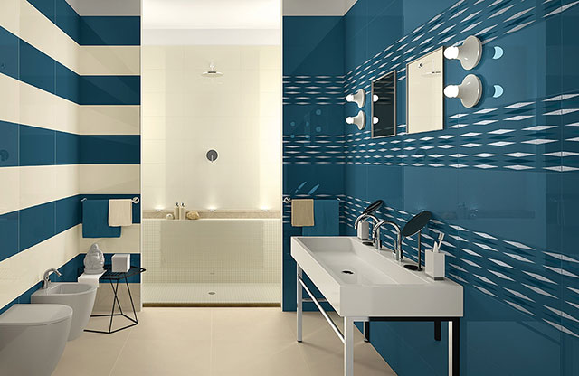 Banheiro de casal decorado azul