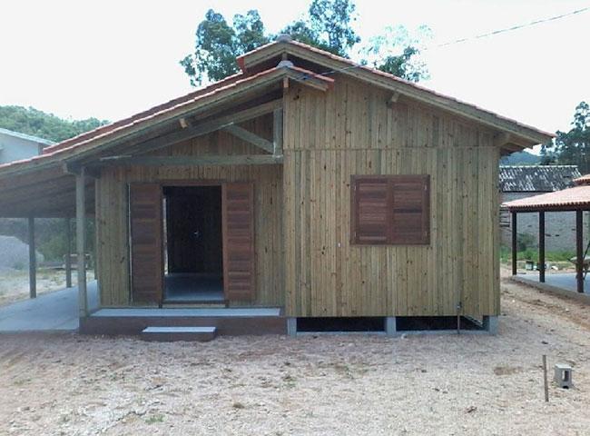 Casa pré-fabricada em madeira autoclavada