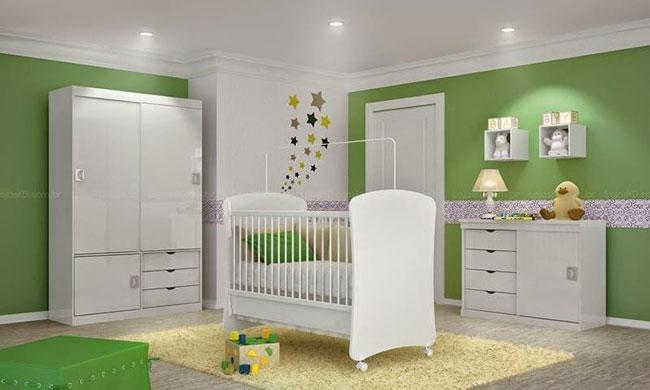 Decoração de quarto infantil verde em apenas algumas paredes