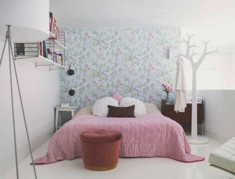 Cabideiro do quarto em formato de árvore