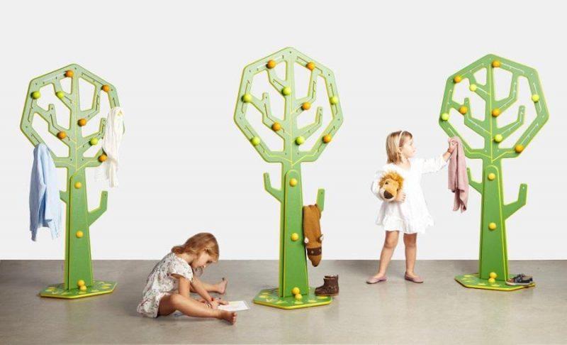 Cabideiro de chão área decoração infantil.