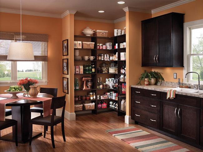 Outra dica interessante é prever o espaço integrado com a cozinha