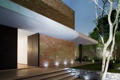 Revestimento de paredes externas com tijolo aparente