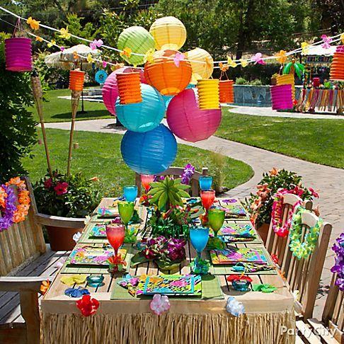 Decoração de festa havaiana ao ar livre