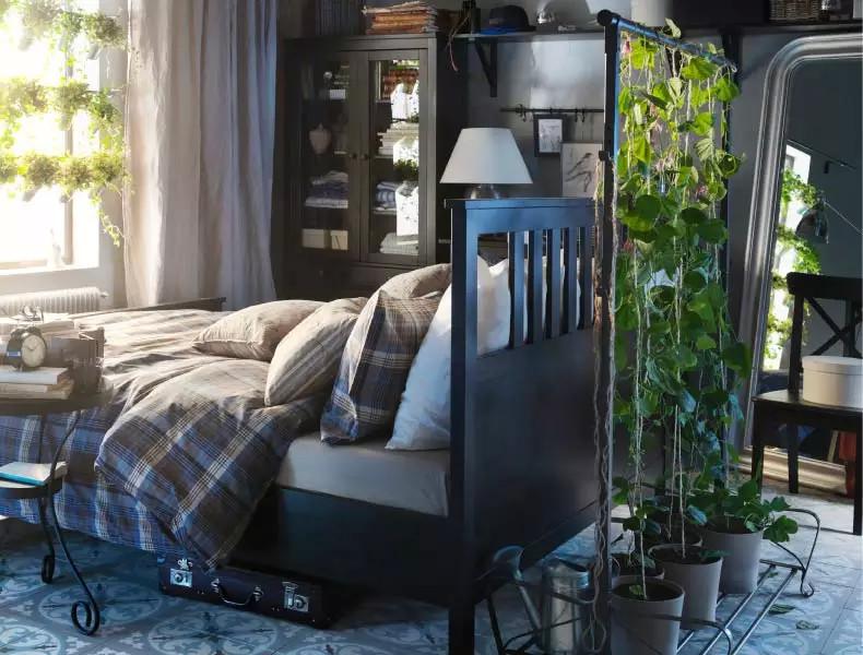jardim de inverno vertical em quarto de casal