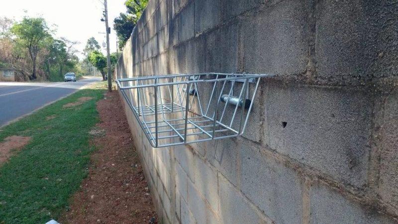 Lixeira para calçada dobrável