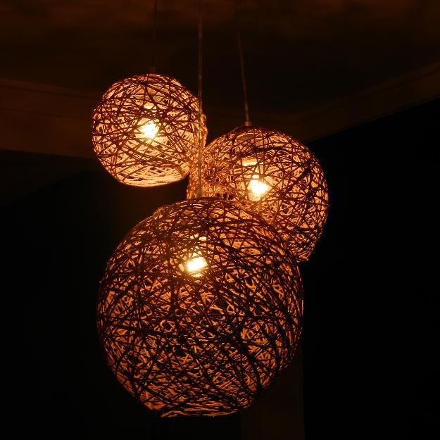 Luminária rústica de esfera de barbante