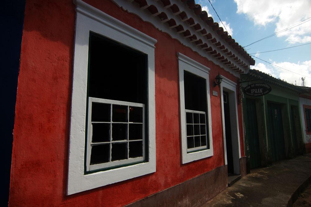 Pintura a cal e casa de patrimônio histórico
