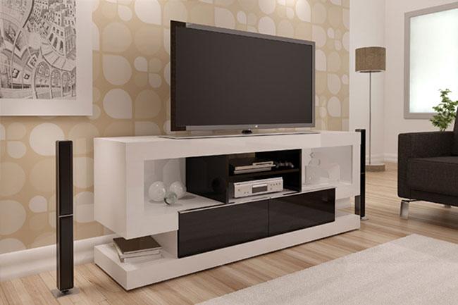 Rack branco de madeira para sala de tv