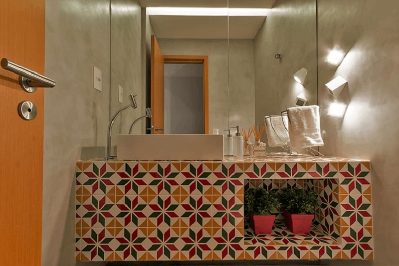 bancada de banheiro revestida com ladrilho hidráulico