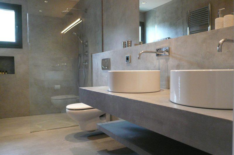 banheiro de cimento queimado