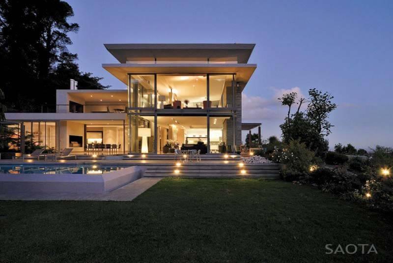Fachada de vidro luxuosa