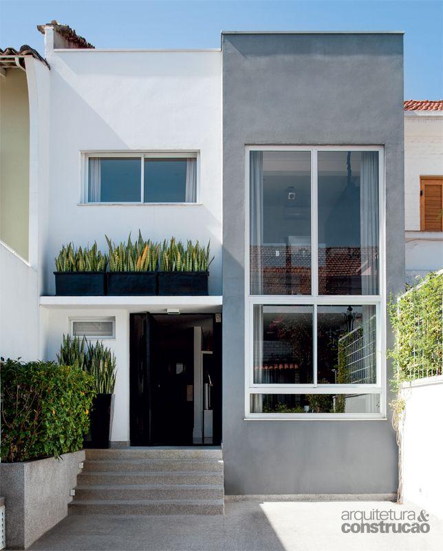 10 modelos de fachadas de sobrados modernos for Fachada moderna
