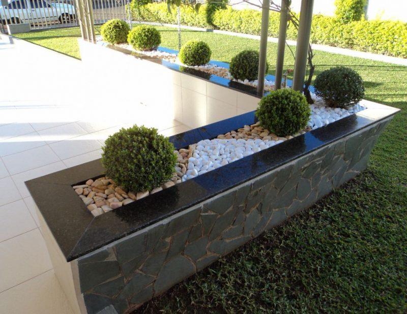 Floreira de varanda com granito verde ubatuba