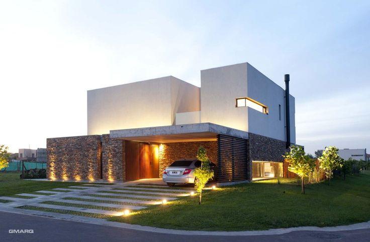 Iluminação externa de fachada de casa sem telhado moderna