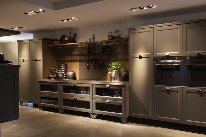 Iluminação é toque especial em cozinha decorada