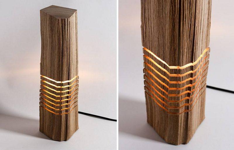 luminária eita com hacha de madeira