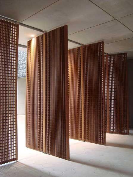 Porta de madeira trançada moderna