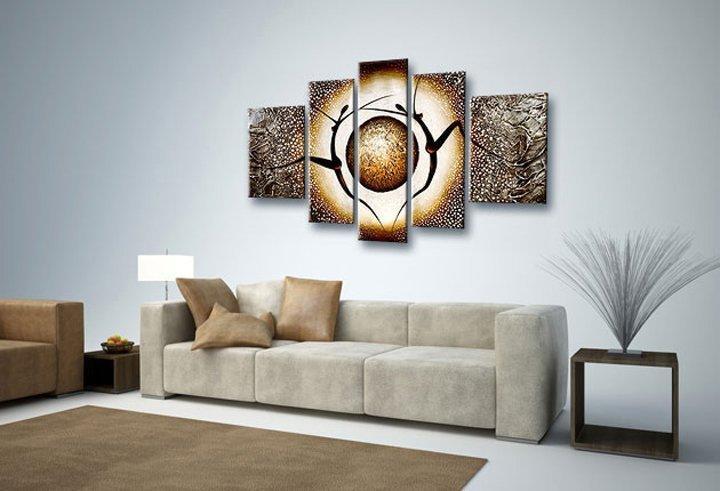 Parede de sala de TV com quadro decorativo